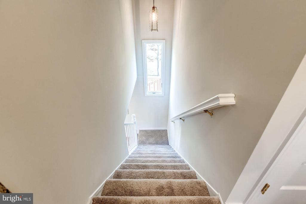 Staircase to the second level - 41217 & 41223 JOHN MOSBY HWY, ALDIE