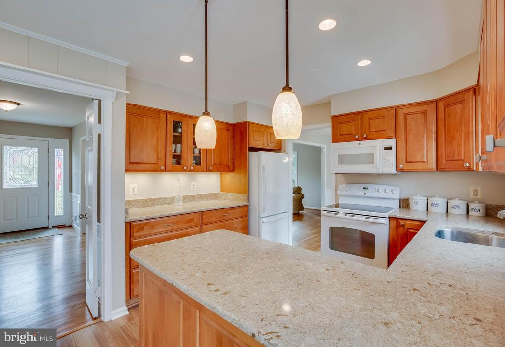 Kitchen - 4301 NORBECK RD, ROCKVILLE