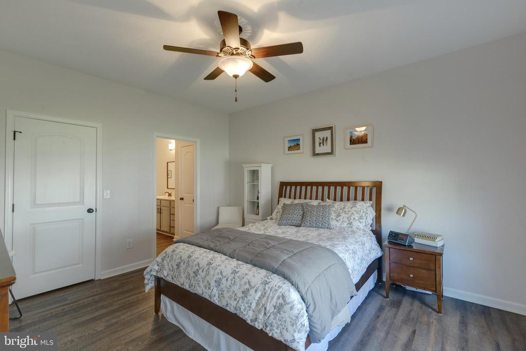 Owner's Suite with Walk-in Closet - 153 VILLAGE CIR, HARPERS FERRY