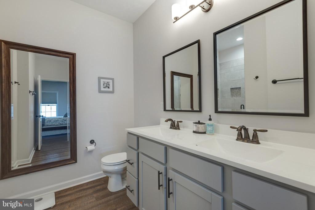 Dual Vanities in Owner's Bath - 153 VILLAGE CIR, HARPERS FERRY