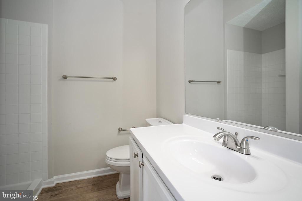 Master bathroom - 1568 BEVERLY CT, FREDERICK