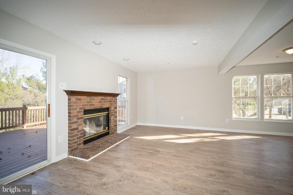 Living room - 1568 BEVERLY CT, FREDERICK