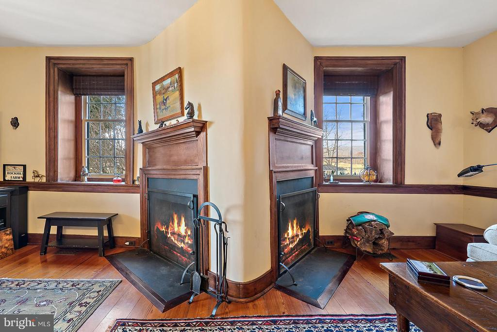 TWO wood burning fireplaces - 20775 AIRMONT RD, BLUEMONT