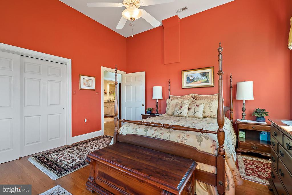 large closet - 20775 AIRMONT RD, BLUEMONT