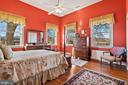 beautiful master bedroom with great views - 20775 AIRMONT RD, BLUEMONT