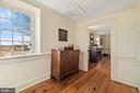 second floor foyer - 20775 AIRMONT RD, BLUEMONT