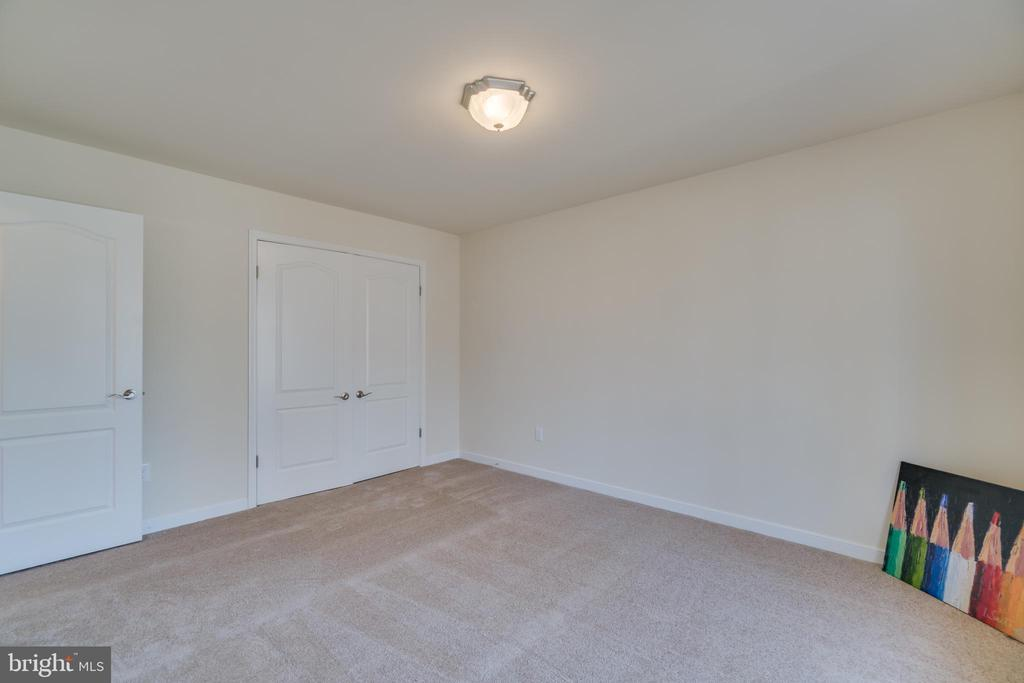 dual closets in spacious second bedroom - 4229 LAKEVIEW PKWY, LOCUST GROVE