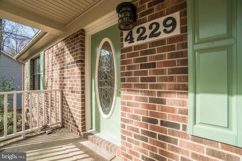 Welcome to your new home! - 4229 LAKEVIEW PKWY, LOCUST GROVE