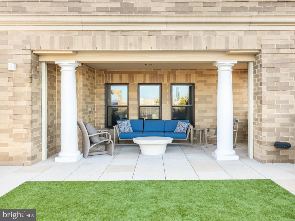Community rooftop sitting area - 8302 WOODMONT AVE #801, BETHESDA