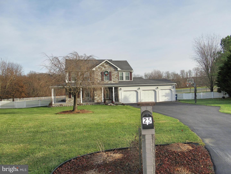 Single Family Homes für Verkauf beim Littlestown, Pennsylvanien 17340 Vereinigte Staaten