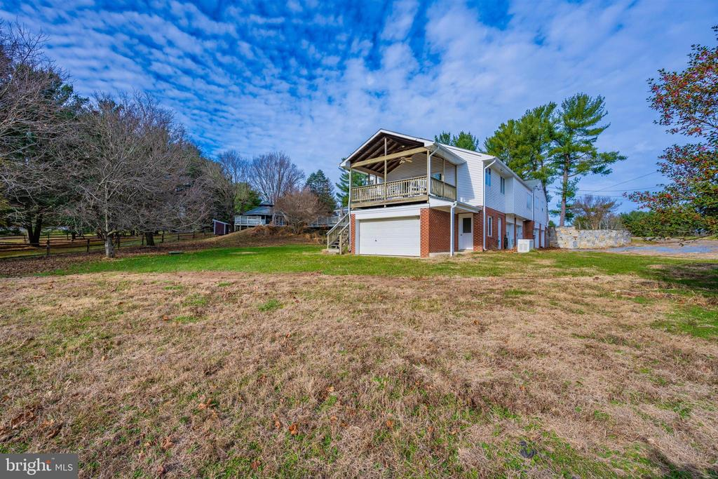 - 13511 QUERY MILL RD, NORTH POTOMAC