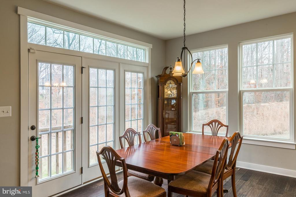 The breakfast room, look at the views! - 17101 GULLWING DR, DUMFRIES
