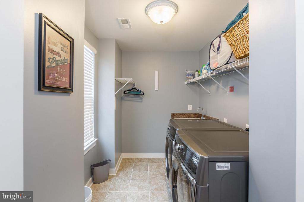 Laundry Room is on the bedroom level - 17101 GULLWING DR, DUMFRIES