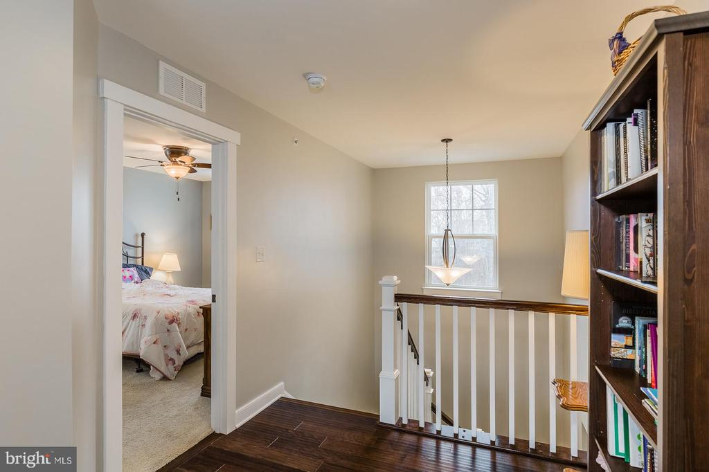 This home is stunning - 17101 GULLWING DR, DUMFRIES