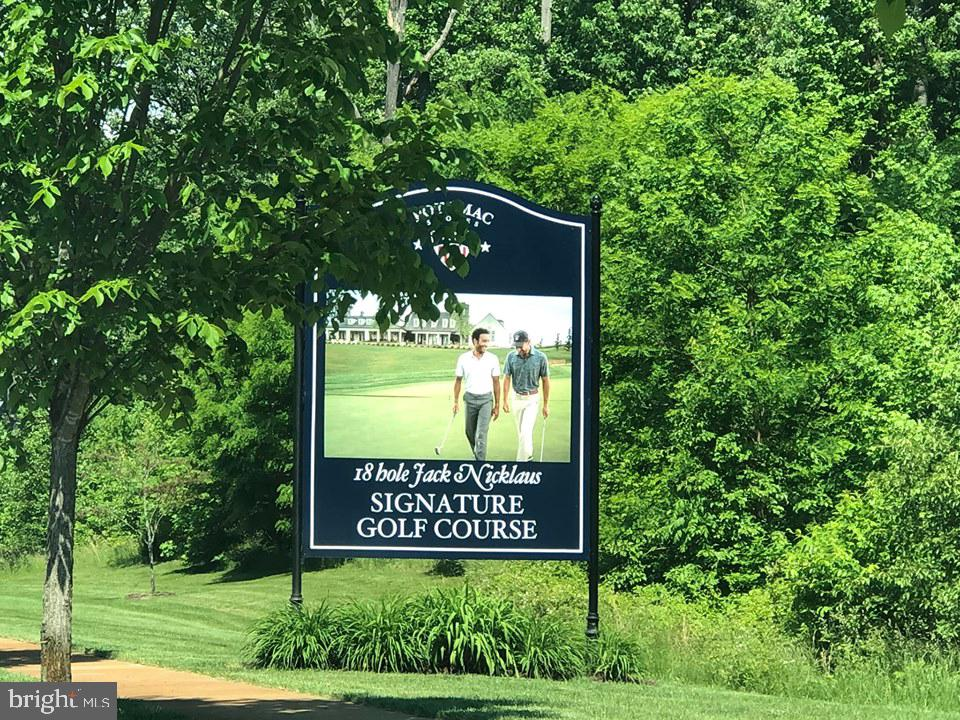 There is a public  Jack Nicklaus  golf course - 17101 GULLWING DR, DUMFRIES