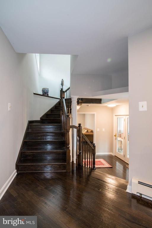 Staircase - 11110 KINGSTEAD RD, DAMASCUS