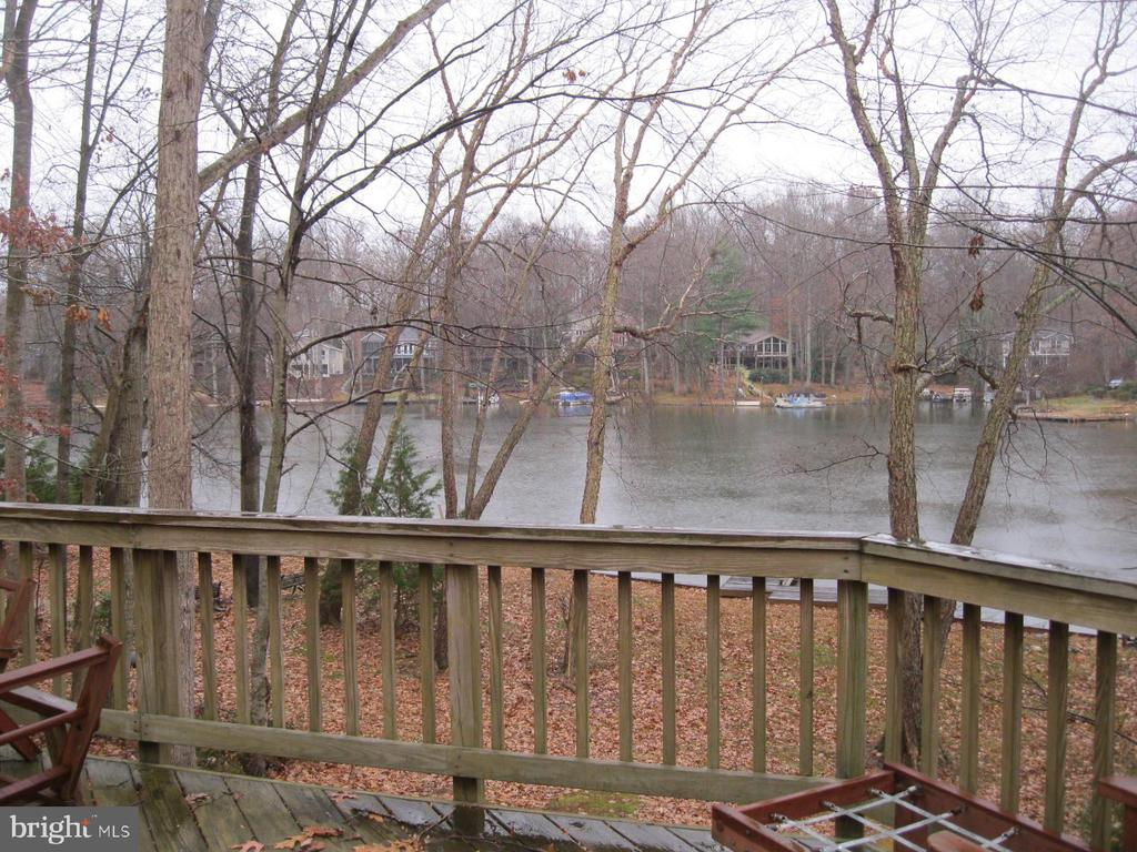 Dec, patio and many rooms view lake - 134 HARRISON CIR, LOCUST GROVE