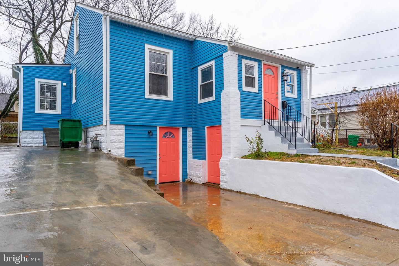 Single Family Homes para Venda às Brentwood, Maryland 20722 Estados Unidos