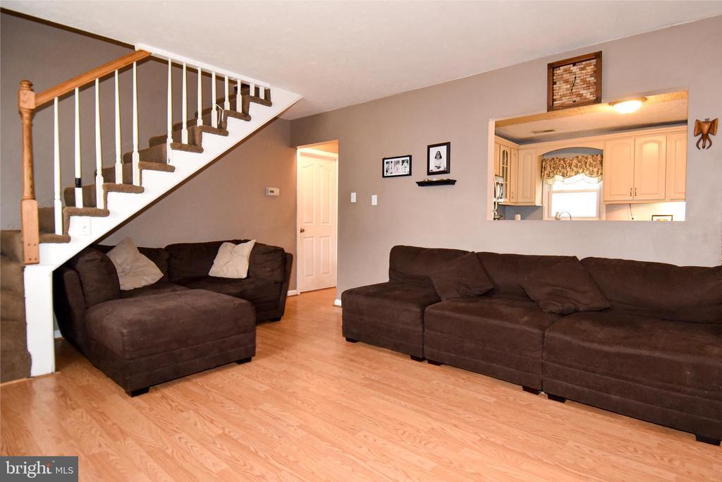Living Room - 107 JENKINS CT, MANASSAS PARK