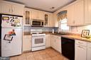 Kitchen - 107 JENKINS CT, MANASSAS PARK