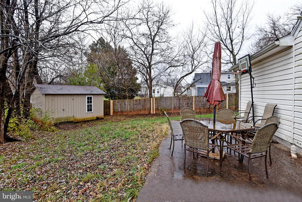 Side Patio and Shed - 107 JENKINS CT, MANASSAS PARK