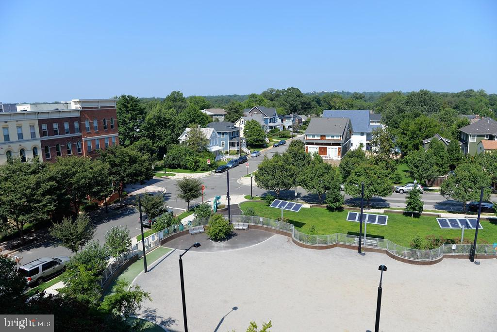 View from Living Room - 1200 N HARTFORD ST #507, ARLINGTON