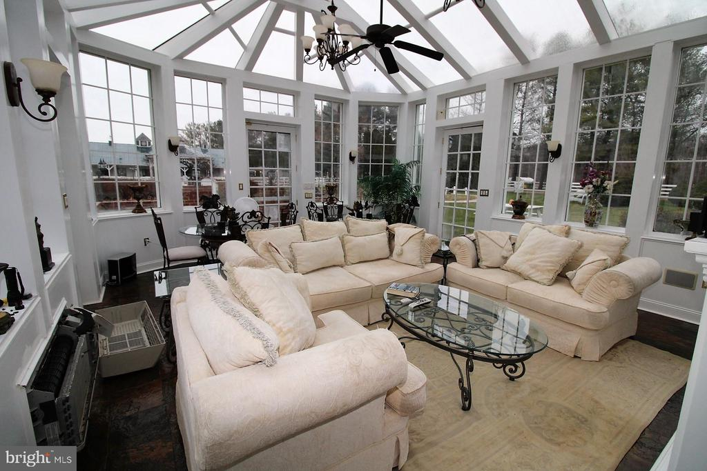 Sun room - 4309 SUNDOWN RD, GAITHERSBURG