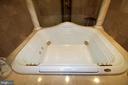Jacuzzi tub - 4309 SUNDOWN RD, GAITHERSBURG