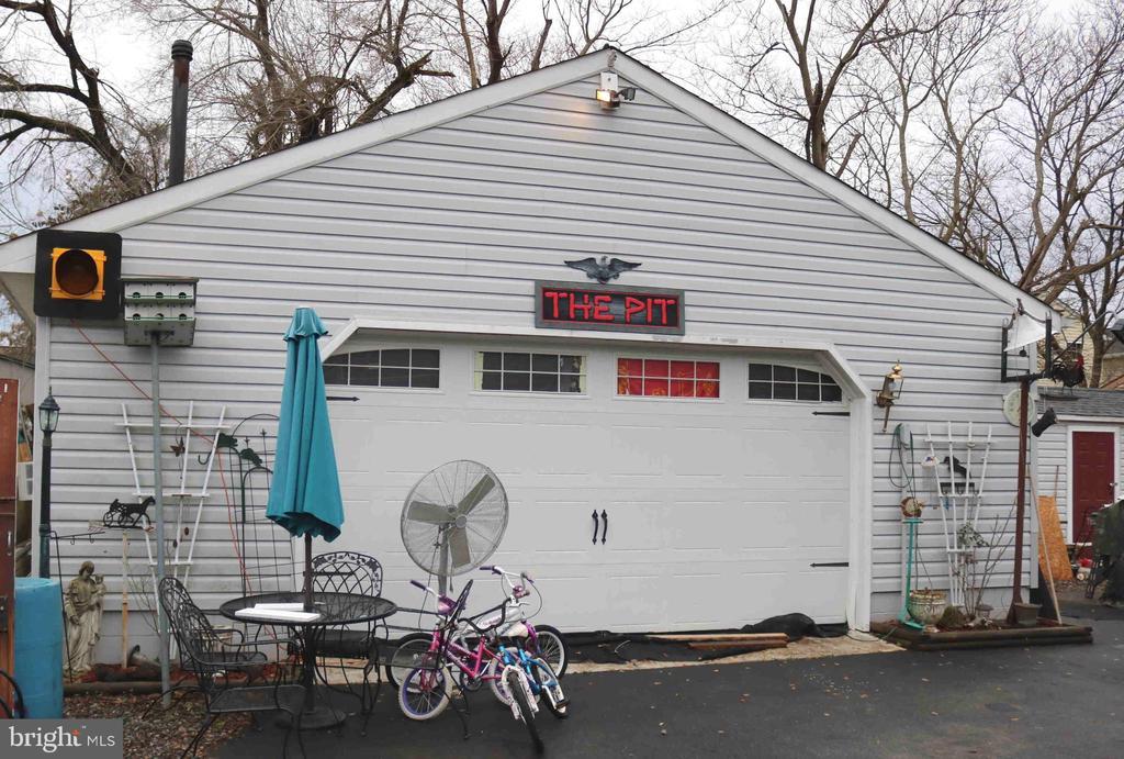Heated Garage - 324 FOURTH ST, FREDERICKSBURG