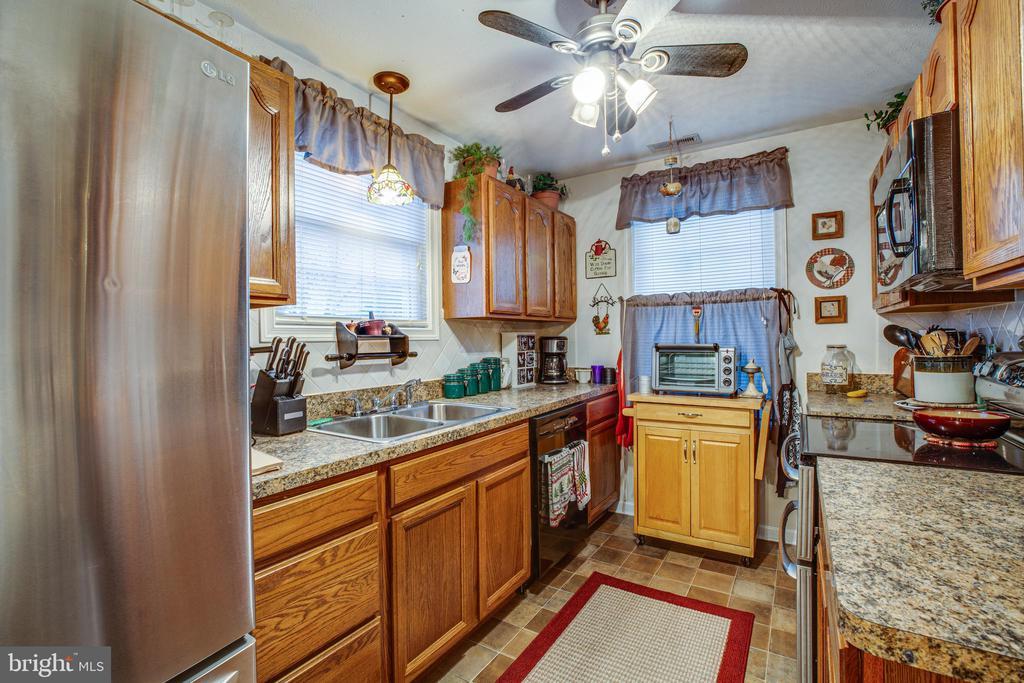 Kitchen with Stainless Appliances - 324 FOURTH ST, FREDERICKSBURG