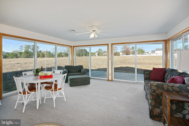 Single Family Homes pour l Vente à Address Restricted Mays Landing, New Jersey 08330 États-Unis