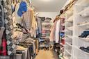 Deep walk in closet with built in shelving - 329 SPRING BRANCH CT, PURCELLVILLE