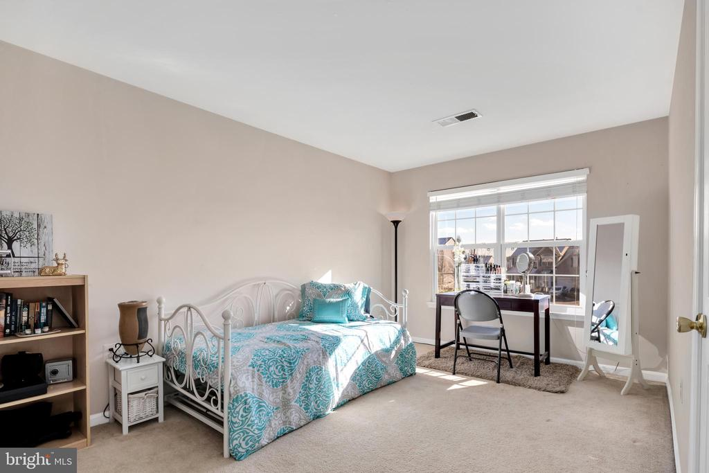4th bedroom - 329 SPRING BRANCH CT, PURCELLVILLE