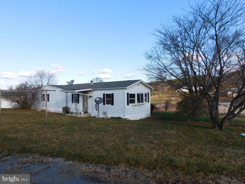 Single Family Homes のために 売買 アット Augusta, ウェストバージニア 26704 アメリカ