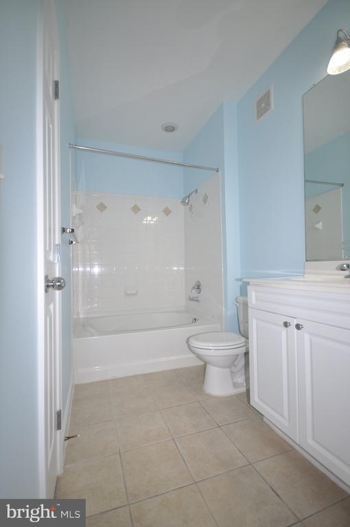 Master Bath - 501 HUNGERFORD DR #P77, ROCKVILLE