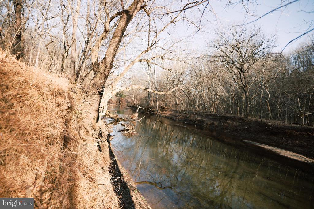 Goose creek - 39006 LIME KILN RD, LEESBURG