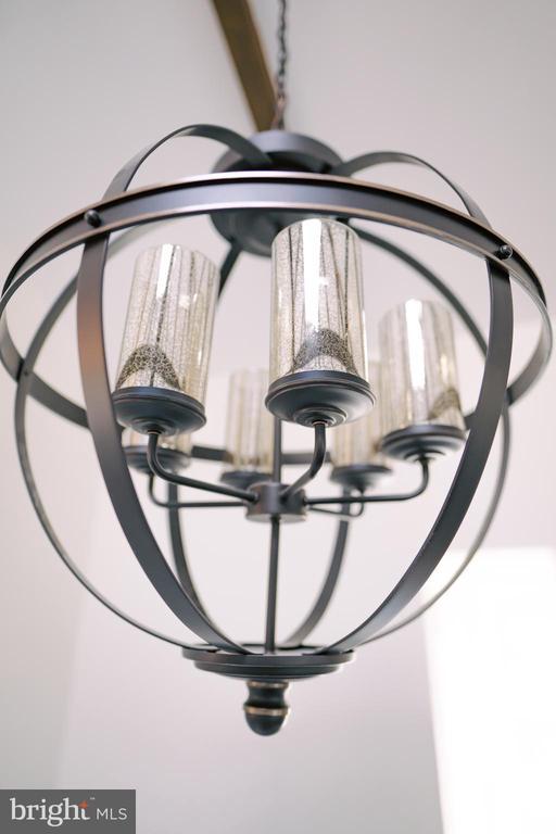 Beautiful lighting - 39006 LIME KILN RD, LEESBURG