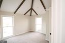 Main level bedroom w/private  bath - 39006 LIME KILN RD, LEESBURG