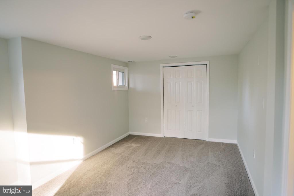 3rd Bedroom in lower level - 39006 LIME KILN RD, LEESBURG