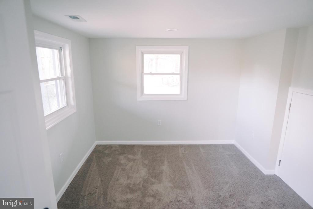4th bedroom in lower level - 39006 LIME KILN RD, LEESBURG