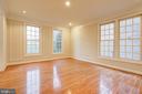 Living Room w/hard wood floor, moldings - 12020 BLACKBERRY TER, NORTH POTOMAC