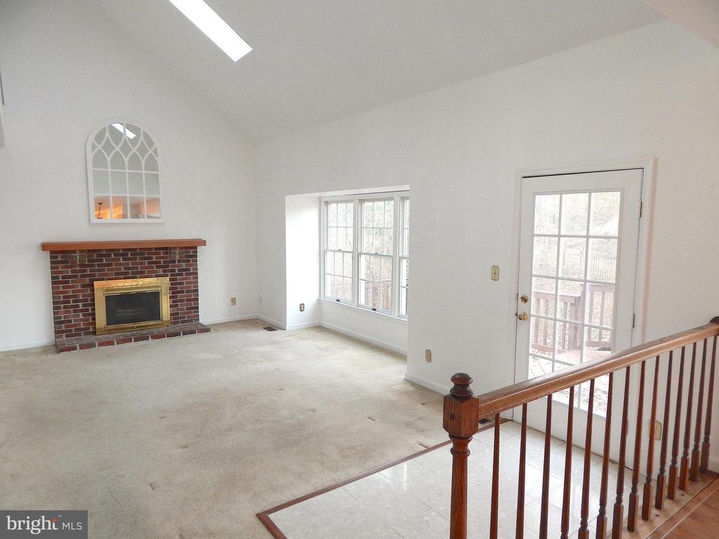 Family room-vaulted ceiling, bay window, fireplace - 6205 PROSPECT ST, FREDERICKSBURG
