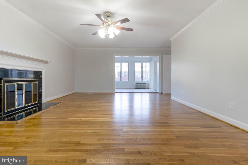 Main level bedroom. - 3608 SOUTH PL #5, ALEXANDRIA