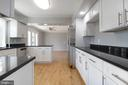 Granite counter tops/stainless steel amenities - 3608 SOUTH PL #5, ALEXANDRIA
