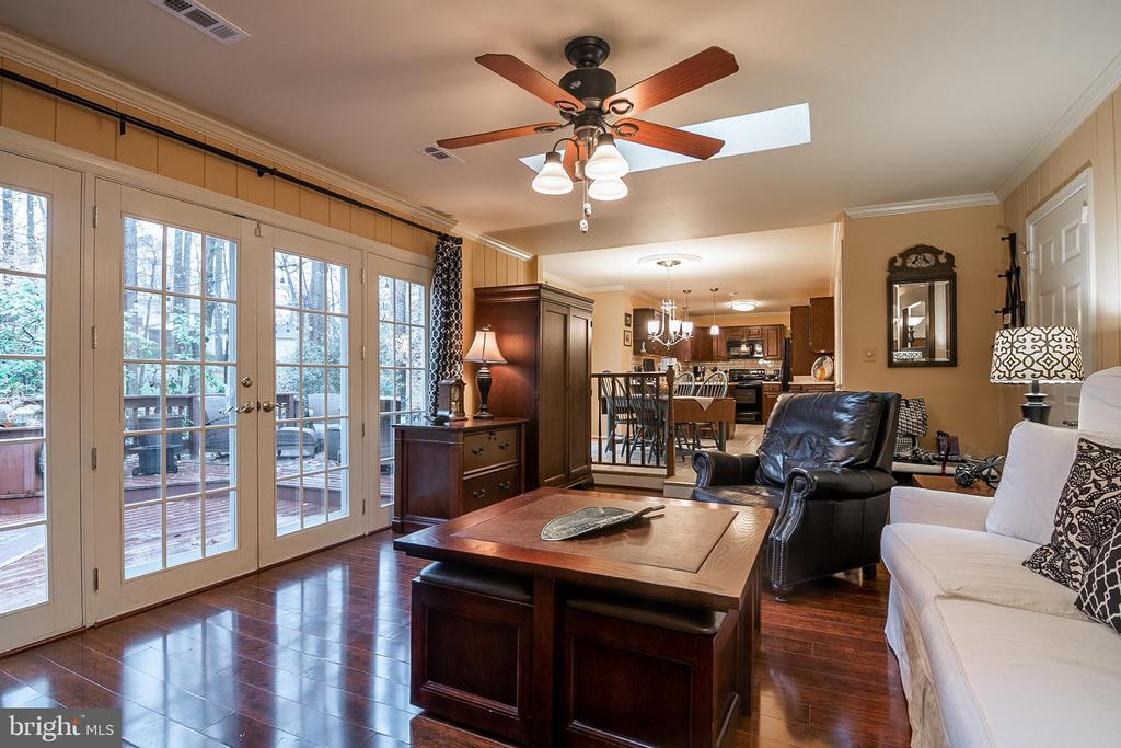 Family Room - 11123 CLARA BARTON DR, FAIRFAX STATION