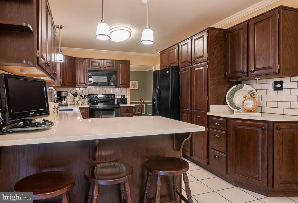 Kitchen - 11123 CLARA BARTON DR, FAIRFAX STATION