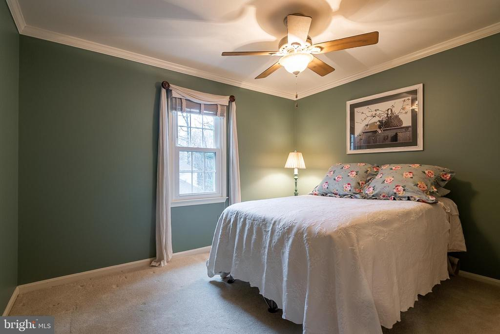 third bedroom - 11123 CLARA BARTON DR, FAIRFAX STATION