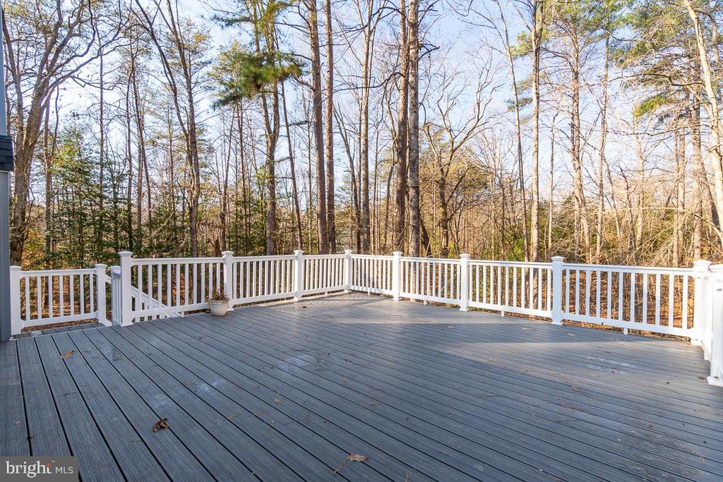 Rear Deck with Wolf Decking and Vinyl Railing - 1 WINDSOR WAY, STAFFORD