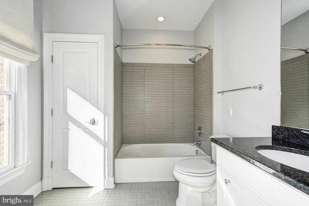 Second Full Bath - 10846 SYMPHONY PARK DR, NORTH BETHESDA