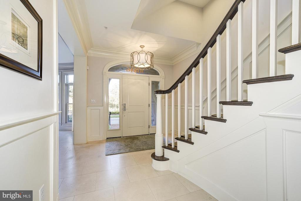 Entry Level Foyer - 10846 SYMPHONY PARK DR, NORTH BETHESDA